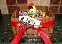 کیک چاکلیتی کیت کت و جیمز