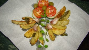 Baked Potato Wedges with Garlic Recipe