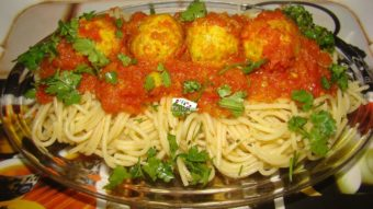 Spaghetti with Chicken Meatballs Recipe